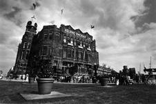 1993-3329 Opening van Hotel New York in het voormalige hoofdkantoor van de Holland Amerika Lijn op de kop van de ...