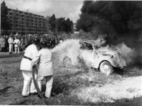 XXXIII-1429-03 Een demonstratie van de brandweer op het terrein van het Groenendaal en de Spaansekade.