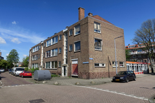 85 Portiekwoningen aan de Vergeet-Mij-Nietstraat, hoek Petuniahof.