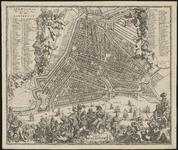 1973-5327 Plattegrond van Rotterdam. Stadsplattegrond met links, rechts en onder weelderige versieringen met o.a. ...