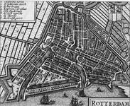 1973-5365 Plattegrond van Rotterdam. Linksboven legend, 8 nummers. Rechtsboven het wapen van Rotterdam.