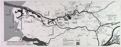 1982-3269 Kaart van het benedenrivierengebied van Rotterdam en omgeving waarop de jaarlijkse hoeveelheden ...