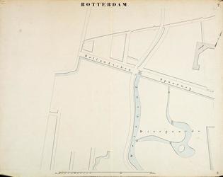 I-69 Kaart van Rotterdam met de aanwijzing van riolering en waterleiding. In rode en blauwe inkt zijn de waterleidingen ...