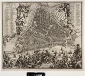 RI-32 Plattegrond van Rotterdam. Stadsplattegrond met links, rechts en onder weelderige versieringen met o.a. ...