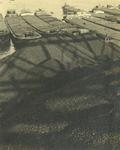 FD-3129 Bergen steenkolen met op de achtergrond een rij Rijnaken.