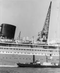 FD-3263 De ms Baloeran en een bevoorradingsschip.