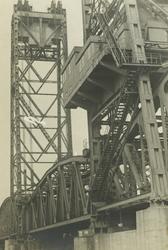 FD-3390 Zijaanzicht van de Spoorbrug over de Koningshaven, De Hef.