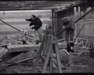 BB-0905-2 Werkzaamheden voor aanleg van de Metro op de Coolsingel., graven, vollopen met water, afzinken t/m eerste ...