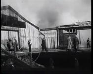 BB-0280 Brandweer blust brand bij Luterma aan de Piekstraat.
