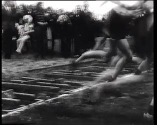 BB-0303 Atletiek voor scholieren op Nenijtobaan. Speelduur: 1 min.