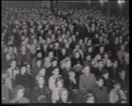 BB-0321 Toespraak van NSB-er Max Blokzijl in gebouw Odeon. Speelduur: 31 sec.
