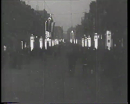 BB-0389 Gedempte Slaak en Oostplein met feestverlichting. Speelduur: 16 sec.