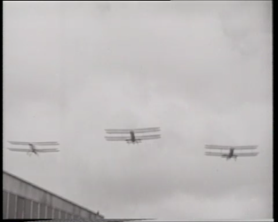 BB-0404 De Engelse minister Ramsey McDonald landt op vliegveld Waalhaven en krijgt een hartelijke ontvangst. Speelduur: ...