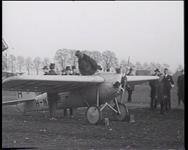 BB-0488 Demonstraties met een klein vliegtuig. Speelduur: 22 sec.