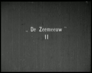 BB-1640 Meisjes op weg naar clubhuis Texelsestraat, waar wordt gezongen. Daarna op kamp naar Dorst.