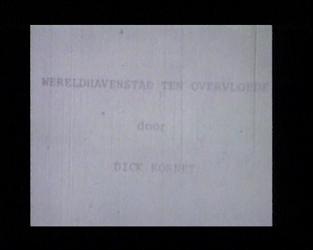 BB-1809 Dichter Dick Kornet leest gedicht voor; de stad vanuit spacetower Euromast.