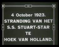 BB-2348 Het schip Stuart-Star, gestrand op de pier bij Hoek van Holland. Speelduur: 45 seconden