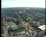 BB-2690 Documentaire over een aantal Rotterdamse initiatieven en projecten op het gebied van wonen, werkgelegenheid, ...