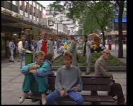 BB-3143 Korte documentaire over wonen en werken in Rotterdam. Interviews met wethouder Nel van der Pol-van den Dorpel, ...