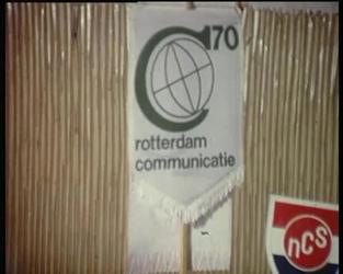 BB-3233 C'70-Sportmanifestatie; eerst commissievergadering op het stadhuis; aankomst autobussen uit Europese landen bij ...