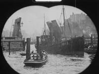 BB-3632 Pathé Baby oplage-film met tussentitels over Rotterdam. Opnames van de Leuvebrug, Parkhavenoever, de Nieuwe ...