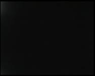 BB-4005 Moeder geeft baby te eten; titelkaart De eerste film . Kamperen: met auto naar buitenland; Manneken Pis, ...
