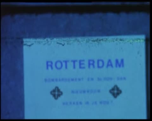 BB-4561 Compilatie van kleur- en zwart/witfilm. Giraffes en bizons in Diergaarde Blijdorp. Rondrit met antieke tram ...