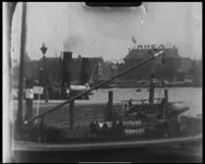 BB-7485 Opnames vanaf het Willemsplein, een impressie van de Nieuwe Maas. Stoomboten, sleepboten en rondvaartboten ...
