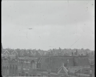 BB-7664 Bevrijdingsfilm zonder geluid. Het merendeel gaat over de bevrijding van Rotterdam in het voorjaar van 1945. In ...