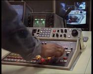 BB-3589 Actualiteitenprogramma 6de Etage voor allochtone jongeren, uitgezonden bij Omroep Rotterdam. Vanaf heden valt ...