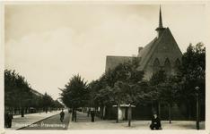 PBK-10327 Strevelsweg bij het Sandelingenplein. Rechts de gereformeerde Sandelingepleinkerk.