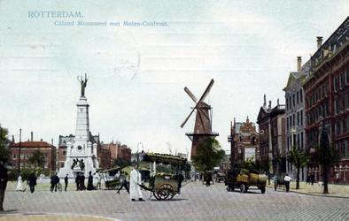PBK-1290 Gezicht op de Coolsingel met het Calandmonument, rechts het Erasmiaans Gymnasium en de Passage. Op de ...