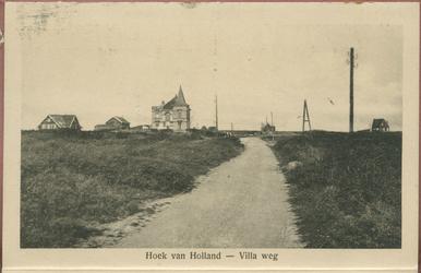 PBK-13256 Serie van tien prentbriefkaarten van Hoek van Holland als leporello aaneen. Van boven naar beneden:-1 Villa ...