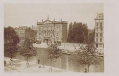 PBK-1460 Het Erasmiaans Gymnasium en een gedeelte van de Passage aan de Coolsingel, uit het zuidwesten gezien.