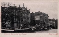 PBK-1462 Het Erasmiaans Gymnasium en de Passage aan de Coolsingel, uit het noordwesten gezien.