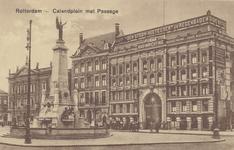 PBK-1476 Coolsingel met het Erasmiaans Gymnasium, het M.C. van Dooren's Vrouwengesticht van Weldadigheid, de Passage en ...