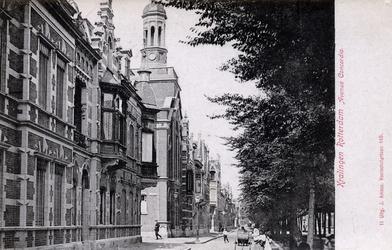 PBK-158 Avenue Concordia gezien vanaf de Lage Oostzeedijk met de Gereformeerde kerk van Kralingen aan de westzijde, op ...