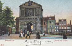PBK-1738 Gezicht op de Delftse Poort uit het noordwesten, vanaf de Schiekade. Op de achtergrond enkele huizen aan het ...