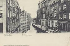 PBK-1847 Gezicht op de Delftsevaart, op nummer 79 de brandstoffenhandel van J. de Groot, op de achtergrond de Raambrug, ...