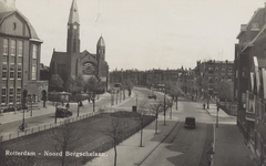 PBK-196 Bergselaan met links het schoolgebouw van de H.B.S en de Gereformeerde Bergsingelkerk aan de Bergsingel vanuit ...