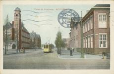 PBK-1983-1040 Pieter de Hooghweg met links de Hogere Zeevaartschool en rechts de Nederlandse Handelshogeschool, uit het ...
