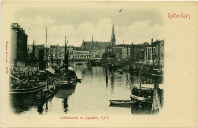 PBK-1983-1093 De noordzijde van de Zalmhaven, boven de panden van de Scheepstimmermanslaan de Sint-Ignatiuskerk, aan de ...