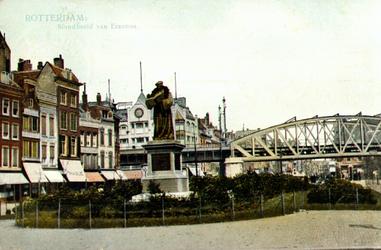 PBK-1983-1167 Het standbeeld van Erasmus aan de Grotemarkt.