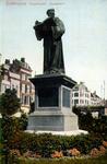 PBK-1983-1182 Gezicht op het standbeeld van Erasmus aan de Grotemarkt.