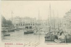 PBK-1983-1414 Binnenvaartschepen in de Oudehaven. Op de achtergrond Plan C, rechts de Spaansekade.