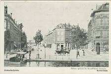PBK-1983-1422 Zomerhofplein gezien uit het westen vanaf de Rotterdamse Schie. Links de Zomerhofstraat, rechts de Bokelstraat.