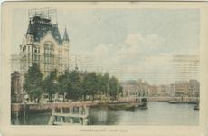 PBK-1983-1425 Het oostelijk deel van de Oudehaven, op de achtergrond links het Witte Huis en in het midden ...