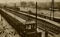 PBK-1983-1448 Gezicht op station Feijenoord, het latere station Rotterdam-Zuid, vanuit een woning aan de ...