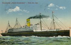 PBK-1983-250 Passagiersschip de Nieuw Amsterdam van de Holland-Amerika Lijn vaart op zee.
