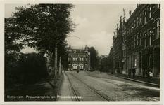 PBK-1983-461 Proveniersplein, vanuit westelijke richting. Rechts van het pand met de 2 torenjes is de Proveniersstraat, ...